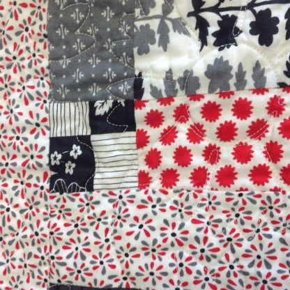 Quilt-Grey-Red
